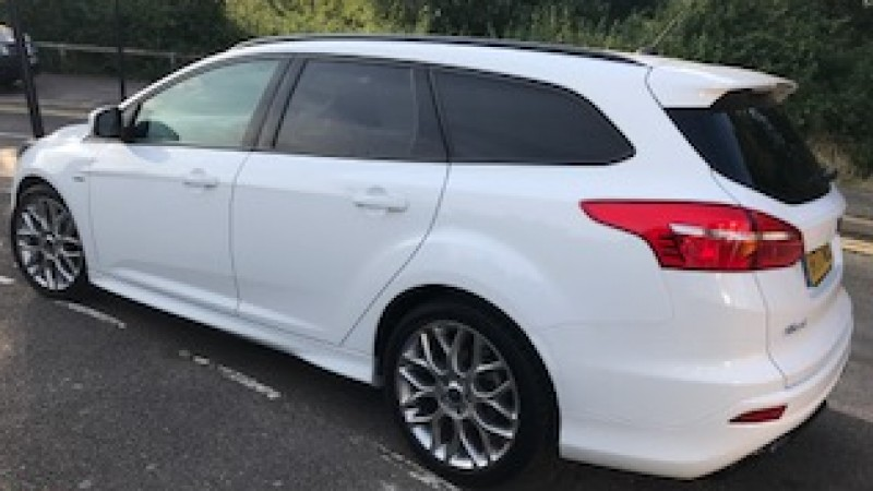 FORD FOCUS ESTATE Car Hire Deals