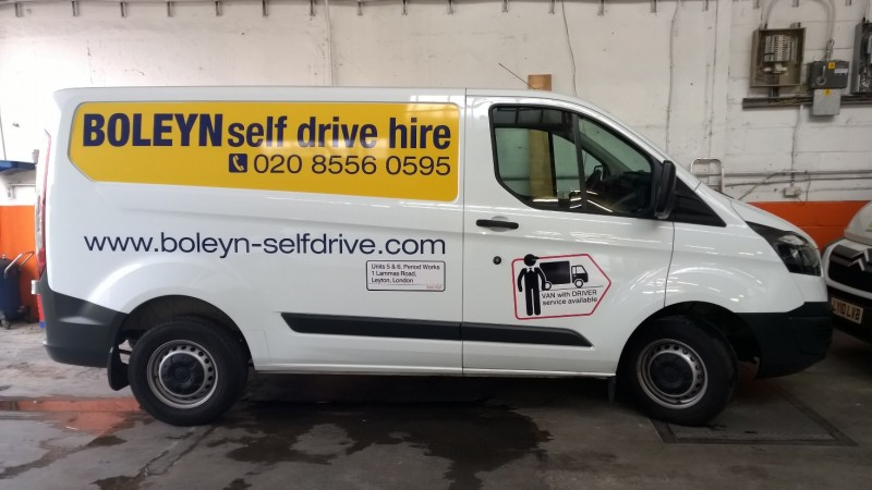 FORD TRANSIT CUSTOM Short Wheel Base Low Roof Load Floor Length 2.44 Car Hire Deals
